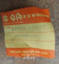 Nos Oem Suzuki Ts400 73-77 Assemblage De Commutateur De Poignée Gauche Lh Horn Turn 57700-32630