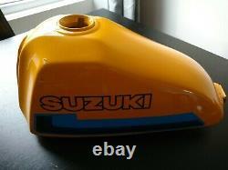 Suzuki Ts 125er. Réservoir Et De La Carrosserie. Robinet De Carburant. Bouchon Du Réservoir