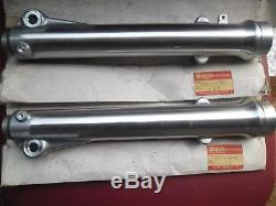 Suzuki Ts 250 Er, Sp 370 Nos Fourche Avant Tube Extérieur Lh + Rh Oem # 51130 / 40-32401
