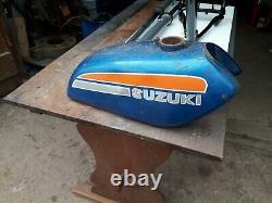 Suzuki Ts125 Cadre, Réservoirs D'essence Et Fourches Avant Freins À Tambour Pièces Des Années 1970