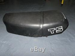 Suzuki Ts125 Ts185 Ts250 Seat Rare / Base / Métal Dur Pour Trouver L'article S'il Vous Plaît